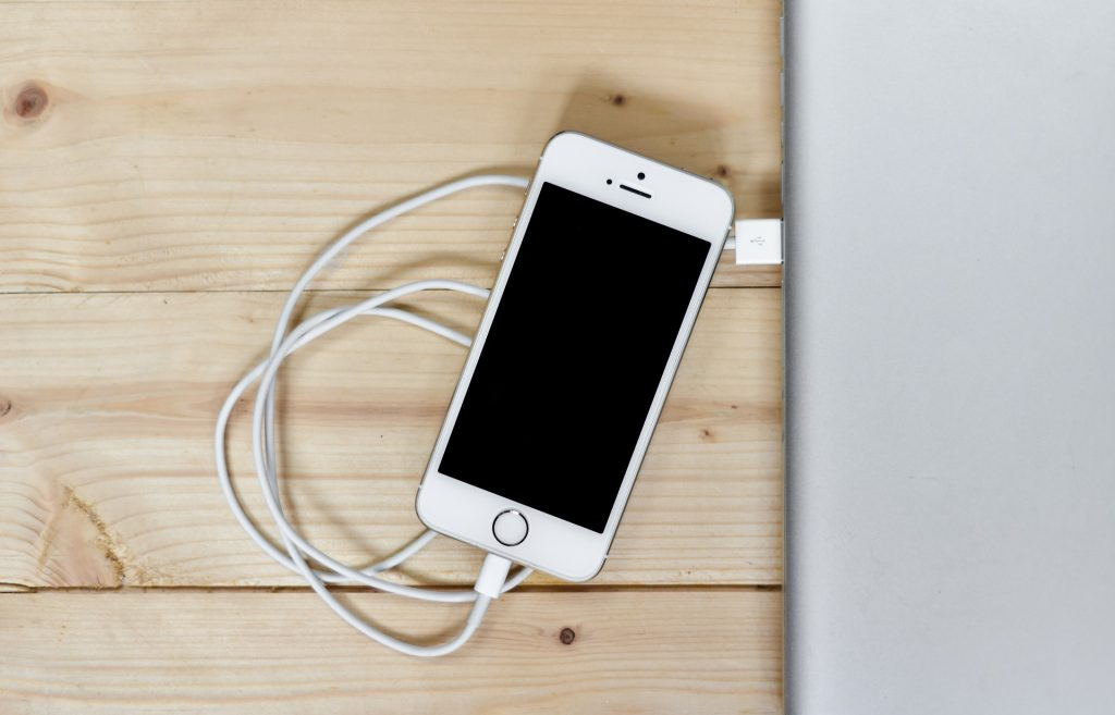 iPhoneデータをUSBケーブルでファイル転送して、写真やビデオをPCに保存する方法